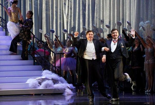 Michael Schade as Gabriel von Eisenstein and James Westman as Frank.  Photo credit: Michael Cooper.